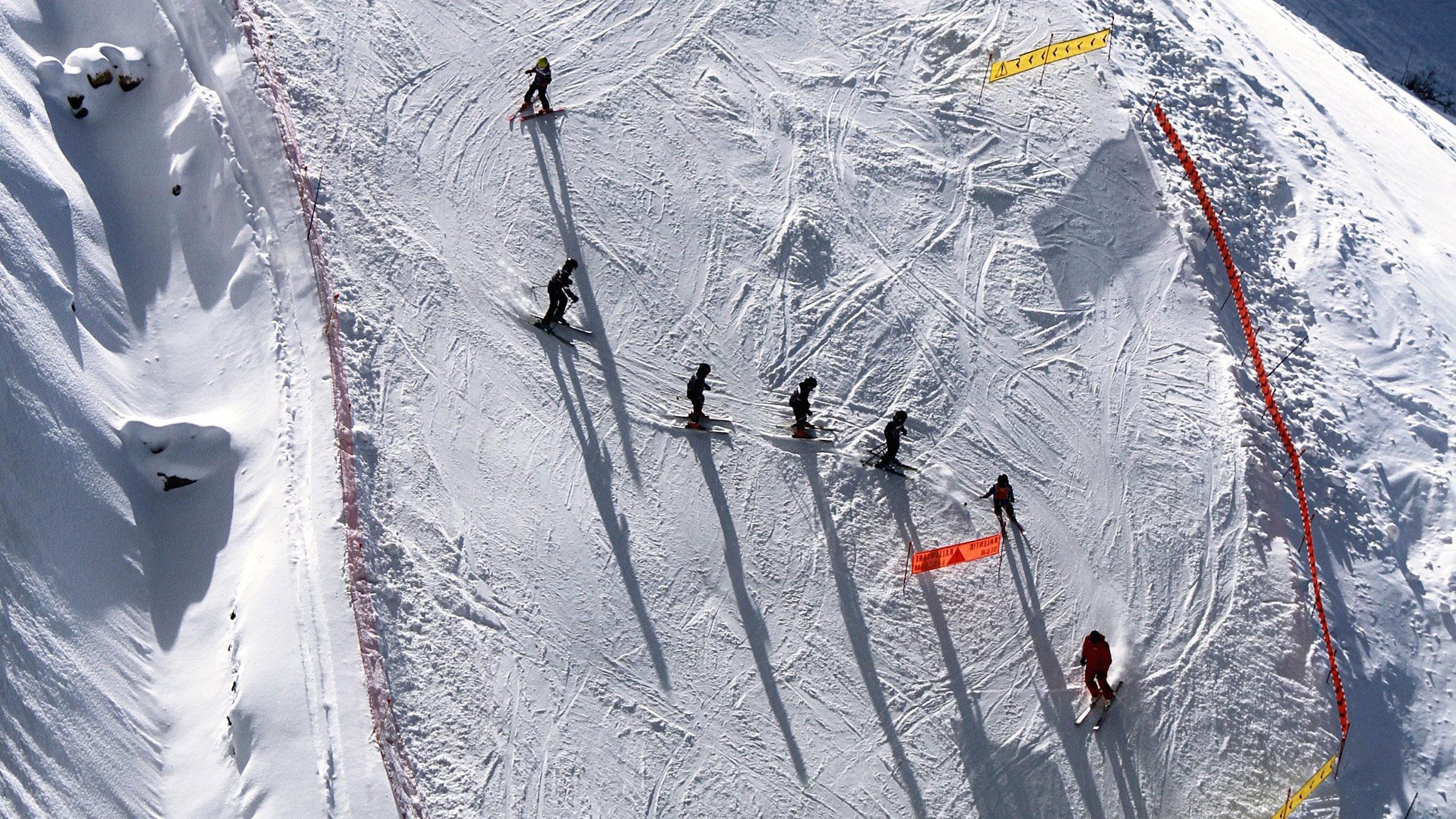 Cours de Ski/Snowboard & Garde d'enfants